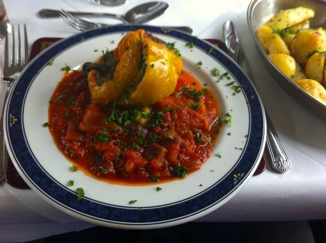意大利煨饭填充胡椒粉