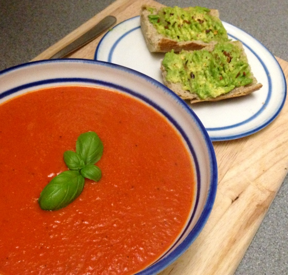 creamy vegan tomato roasted red pepper soup
